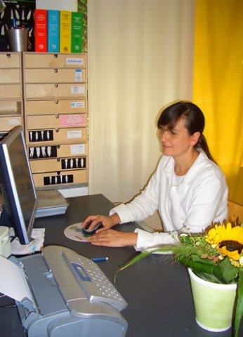 Natalie Lettmann, Zahnärztin in Düsseldorf-Niederkassel
