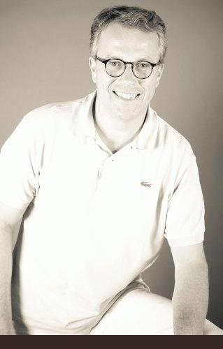 Gerwalt Muhle M. Sc. Parodontologie, M. Sc., Zahnarzt - Master of Science Parodontologie, Master of Science Implantologie/Oralchirurgie in Berlin-Schöneberg