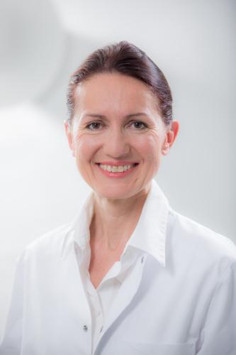 Gisela Breindl, Fachärztin für Allgemeinchirurgie in München