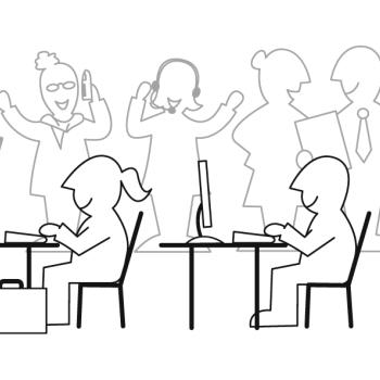 Menschen arbeiten an Computern.